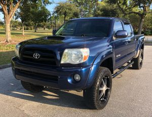 2005 TOYOTA TACOMA 4X4 PRE RUNNER for Sale in Orlando	, FL