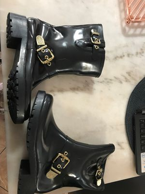 Rain boots size 7 for Sale in North Las Vegas, NV