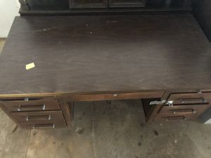 COOL AND FUNCTIONING DESK for Sale in Southlake, TX