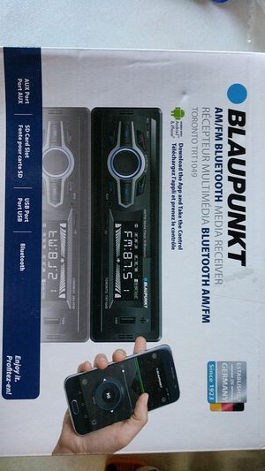 Car radio and bluetooth for Sale in Fort Lauderdale, FL