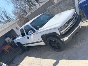 2000 Chevy Silverado 4x4 141xxx miles no issues at all for Sale in Chicago, IL