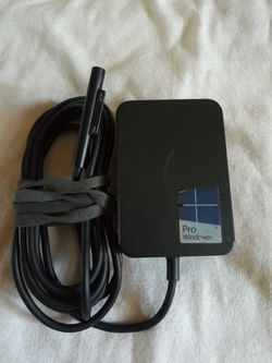 MICROSOFT SURFACE PRO AC ADAPTER 15V - 1.6A for Sale in Escondido,  CA