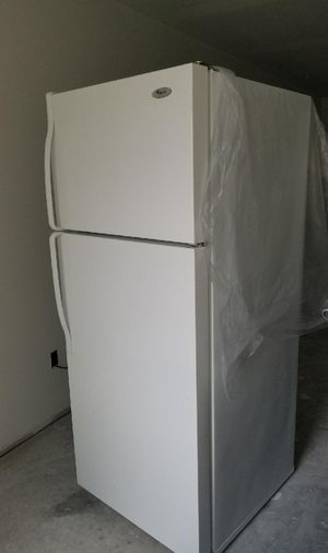 Whirlpool refrigerator, dishwasher & stove set for Sale in South Farmingdale, NY