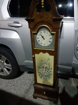 Upright wooden cabinet clock for Sale in Baltimore, MD
