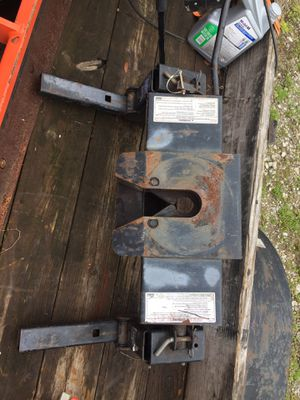 Reese slider 5th wheel hitch for Sale in Dothan, AL