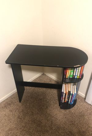 Wood Desk for Sale in Lakewood, CA