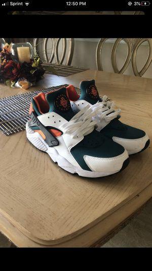 Mens sz.10 Nike Air Huarache Shoes White/Black/Rainforest/Wild Mango for Sale in Orlando, FL