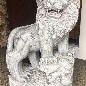 Lion Statue for Sale in Grayslake, IL