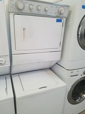 LARGE WHIRLPOOL STACKABLE WASHER AND ELECTRIC DRYER SET for Sale in Modesto, CA