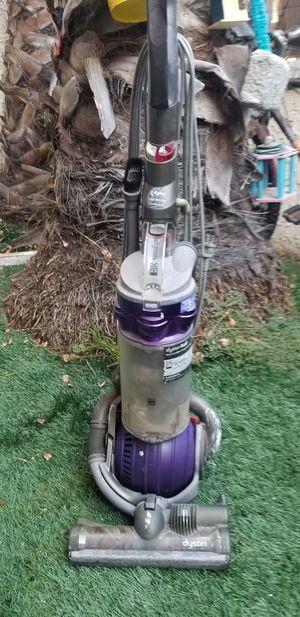 Dyson vacuun for Sale in Huntington Beach, CA