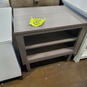 Willow Grey End Table-$69 for Sale in Jessup, MD