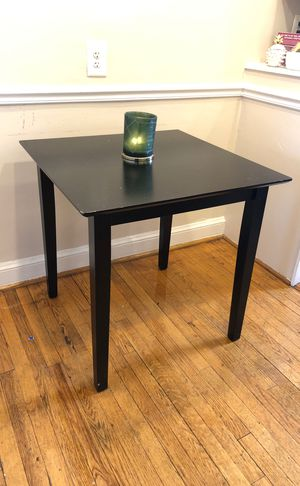 Table for Sale in Arlington, VA