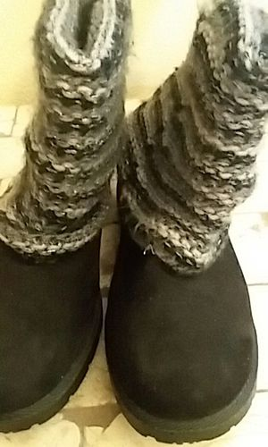 Girl's size 3 black winter boots for Sale in College Station, TX