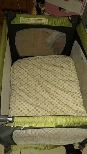 Baby crib portable chicco for Sale in Tampa, FL