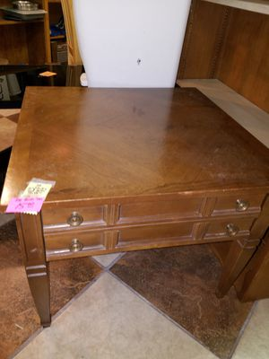 Bassett End Table w drawer for Sale in Modesto, CA
