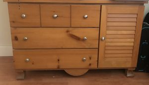 Changing table and drawers for Sale in Miami, FL