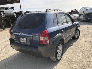 2005 Hyundai Tucson parts for Sale in Grand Prairie, TX