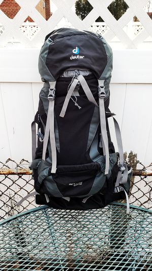Deuter backpack with free duffle bag! for Sale in Bronx, NY