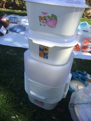 Plastic kitchen containers for Sale in Riverside, CA