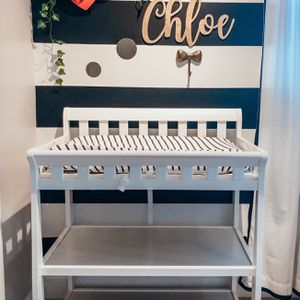 Diaper Changing Table for Sale in Pompano Beach, FL