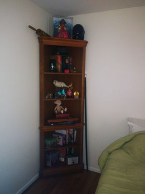 Corner shelf for Sale in Pawtucket, RI
