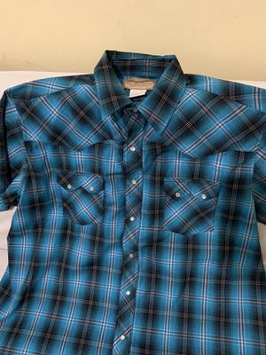 Wrangler shirt for Sale in Montgomery, IL