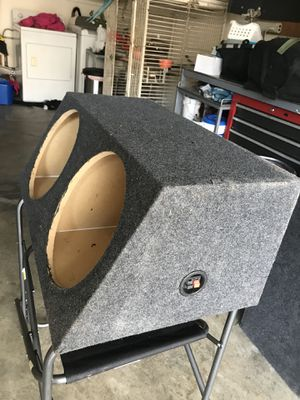 12 subwoofer box for Sale in Daly City, CA