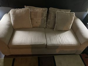Couch sofa for Sale in Lemon Grove, CA
