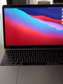 2019 Macbook Pro 13 inch w/ Touch Bar for Sale in Springfield,  VA