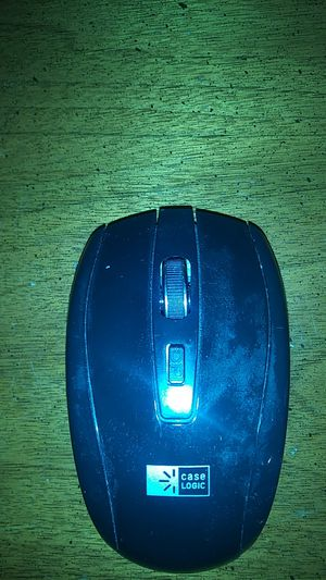 Case logic wireless comeputer mouse for Sale in Maple Heights, OH