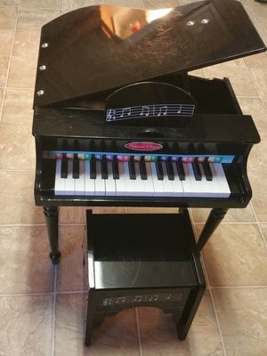 Melissa & Doug Learn-to-play Classic Grand Piano & stool for Sale in Rockville, MD