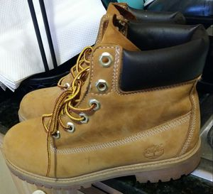 Timberland size 6 for Sale in Miami Gardens, FL