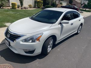 2014 Nissan Altima SV Clean Title 4 Cylinder With Brand New Tires for Sale in Stockton, CA
