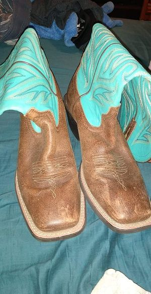 Ariat size 8.5 women's boots for Sale in Heber Springs, AR