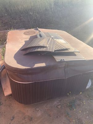 Hot tub for sale or trade for couch for Sale in Perris, CA
