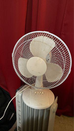 Oscillating Desk Fan for Sale in Altadena, CA