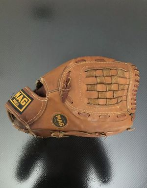MAG Plus Fielders Mitt Glove Softball Baseball RHT MP-3797 for Sale in Tarpon Springs, FL