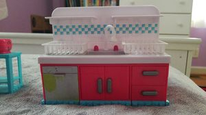 Shopkins kitchen with 31 shopkins for Sale in Durham, NC