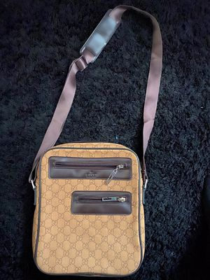 Gucci shoulder bag for Sale in Sacramento, CA
