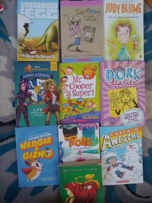 4th grade books-lot of 10 for Sale in Meriden, CT