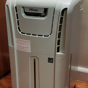 Danby Premiere Dehumidifier (30 Pint) for Sale in Queens, NY