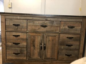 Ashley Dresser. Like New for Sale in York, PA