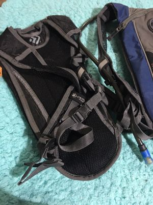 Water bottle infuse backpack, perfect for hiking! for Sale in Euless, TX