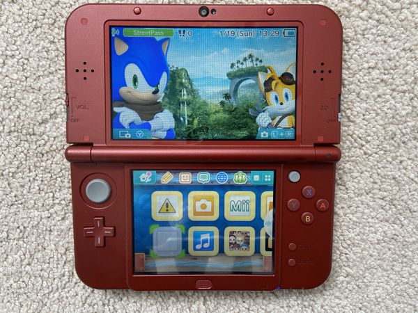 Nintendo 3DS XL with 2 Games in Box