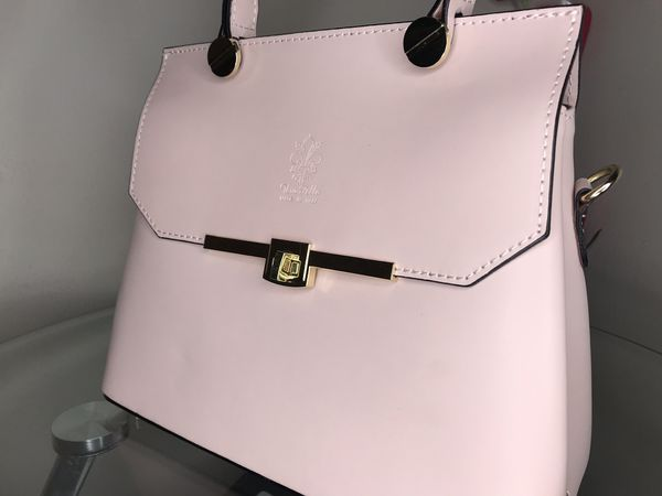 Vera Pelle Leather HandBag with Strap- New/Untouched