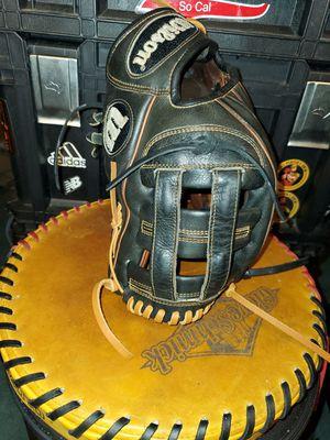 Wilson A2000 PP05 Baseball Glove for Sale in Riverside, CA