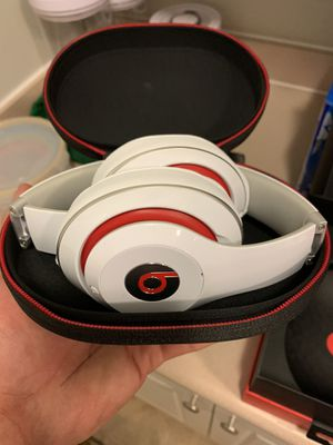 White and Red Beats Studios for Sale in New Albany, OH