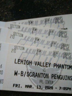 Lehigh Valley Phantoms vs W-B / Scarnton Penguins for Sale in Allentown, PA