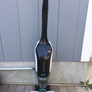 Bissell Cross Wave Cordless Max All-in One Multi Surface Vacuum Cleaner (2554A) for Sale in Fountain Valley, CA