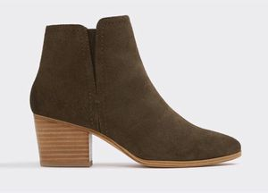 Aldo Suede Leather Heeled Boots Size 9 for Sale in Los Angeles, CA